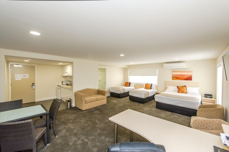 Belconnen Way Motel And Serviced Apartments - Accommodation Airlie Beach
