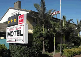 Flying Spur Motel - Accommodation Airlie Beach