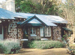 Faversham Cottages  Alpaca Stud Farm - Accommodation Airlie Beach