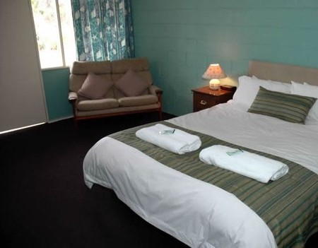 The Bay Motel - Safety Beach - Accommodation Airlie Beach