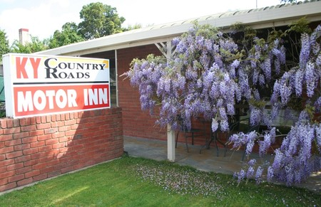 KY COUNTRY ROADS MOTOR INN - Accommodation Airlie Beach