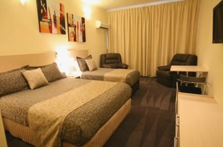 Adelaide Granada Motor Inn - Accommodation Airlie Beach
