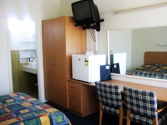 Sandbelt Club Hotel - Accommodation Airlie Beach