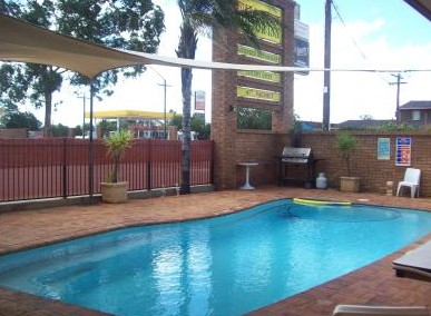 Town And Country Motor Inn Cobar - Accommodation Airlie Beach