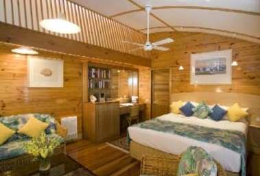 Kims Beach Hideaway - Accommodation Airlie Beach