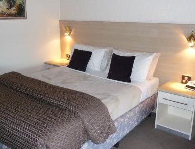 Hamiltons Townhouse Motel - Accommodation Airlie Beach