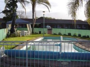 Kanimbla Motor Inn - Accommodation Airlie Beach