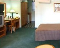 Young Federation Motor Inn - Accommodation Airlie Beach