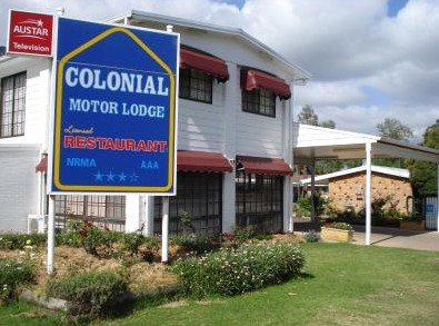 Colonial Motor Lodge - Accommodation Airlie Beach
