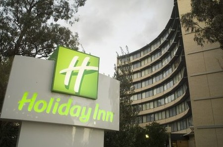 Holiday Inn Melbourne Airport - Accommodation Airlie Beach