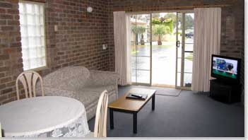 Southern Cross Holiday Apartments - Accommodation Airlie Beach