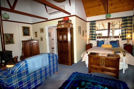 Hillside Country Retreat  - Accommodation Airlie Beach