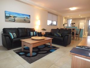 Pacific Marina Apartments - Accommodation Airlie Beach