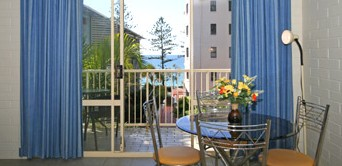 Surf Dance Holiday Units - Accommodation Airlie Beach