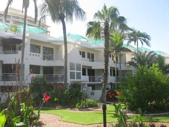 Camargue Beachfront Apartments - Accommodation Airlie Beach