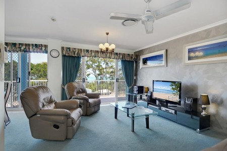 White Crest Luxury Apartments - Accommodation Airlie Beach