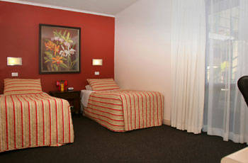 Whale Motor Inn - Accommodation Airlie Beach