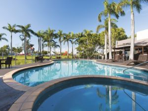 Oaks Oasis - Accommodation Airlie Beach