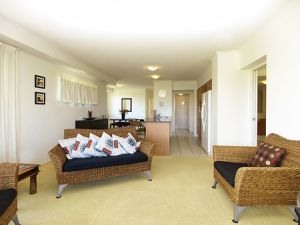 Oaks Seaforth Resort - Accommodation Airlie Beach