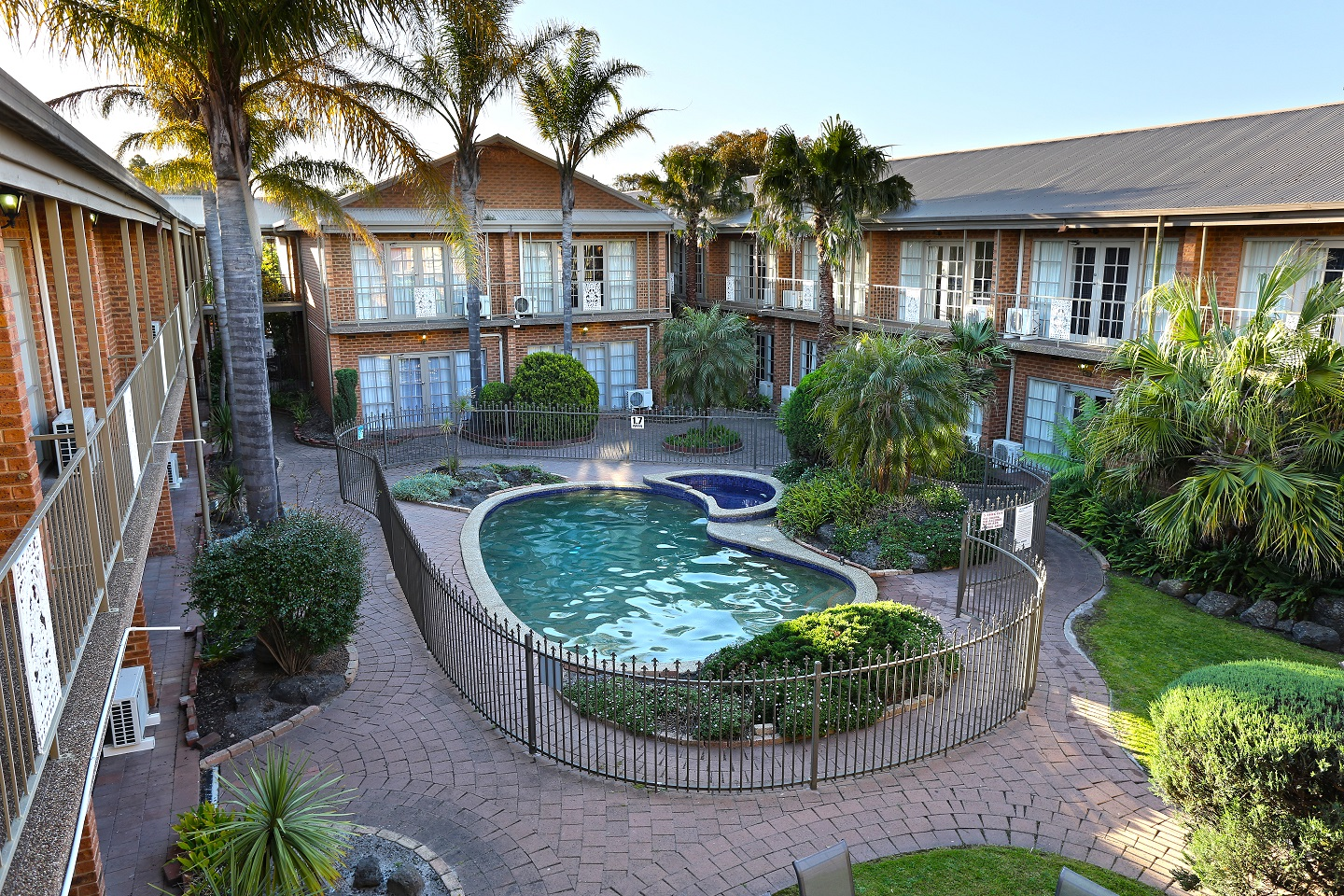 Quality Hotel Melbourne Airport - Accommodation Airlie Beach