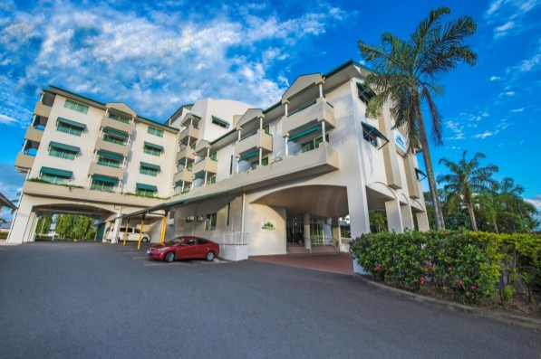 Cairns Sheridan Hotel - Accommodation Airlie Beach