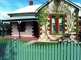 Naracoorte Cottages - Smith Street Villa - Accommodation Airlie Beach