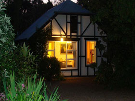 Riddlesdown Cottage - Accommodation Airlie Beach