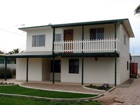 Louth Bay Holiday Apartment - Accommodation Airlie Beach