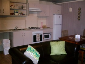 Little Para Cottage - Accommodation Airlie Beach