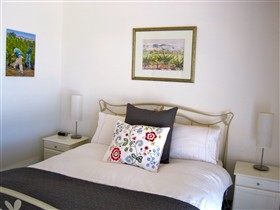ArtWine Cottages - Accommodation Airlie Beach
