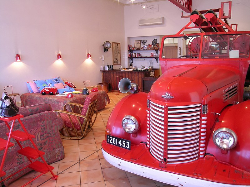 The Fire Station Inn - Fire Engine Suite - Accommodation Airlie Beach