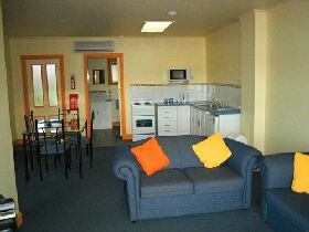 Smugglers Rest - Accommodation Airlie Beach