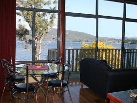 Driftwood Cottages - Beach House - Accommodation Airlie Beach