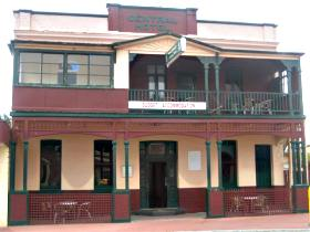 Central Hotel Zeehan - Accommodation Airlie Beach