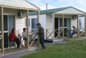 Discovery Holiday Parks Devonport Cosy Cabins - Accommodation Airlie Beach