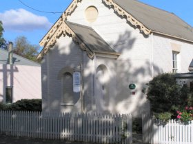 Old Wesleyan Chapel - Accommodation Airlie Beach