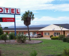 Econo Lodge Bayview Motel - Accommodation Airlie Beach