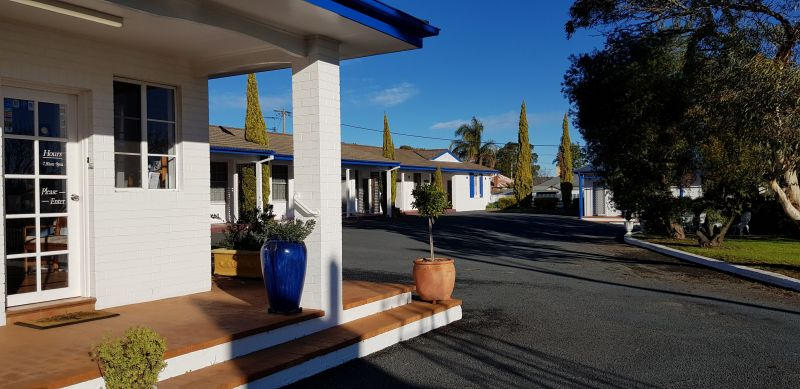Colonial Motel - Accommodation Airlie Beach