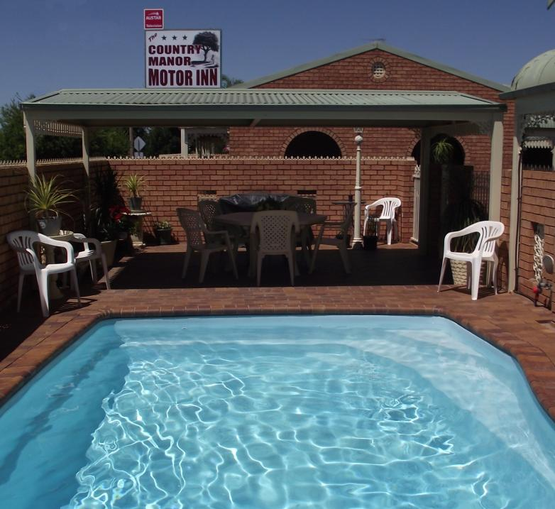 Country Manor Motor Inn - Accommodation Airlie Beach