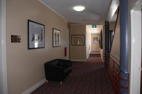 Alpine Hotel - Accommodation Airlie Beach