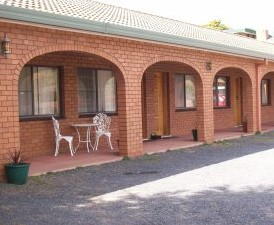Cooma Country Club Motor Inn - Accommodation Airlie Beach