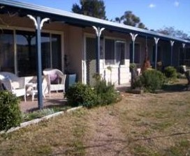 Snowy Vineyard Cottage - Accommodation Airlie Beach