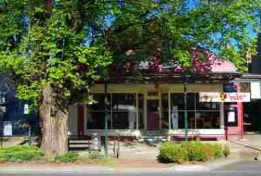 4 Bears Cafe - Accommodation Airlie Beach
