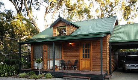 Cottages On Edward - Accommodation Airlie Beach