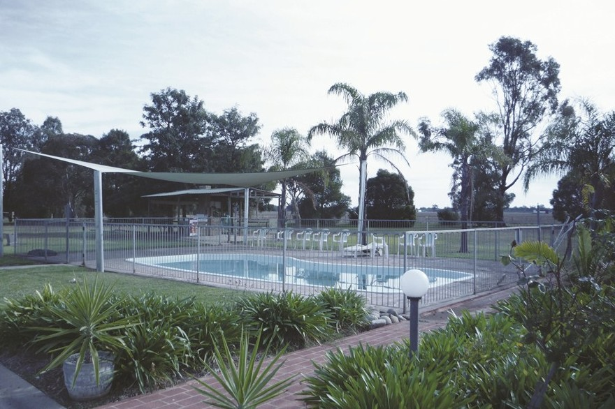 Aaroona Holiday Resort - Accommodation Airlie Beach