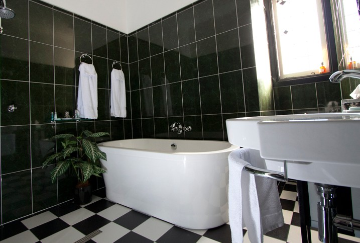 Amore Boutique Bed and Breakfast - Accommodation Airlie Beach