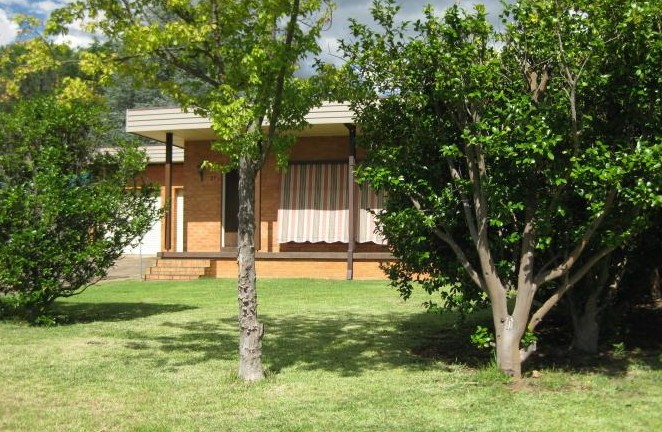 27 Nandi - Accommodation Airlie Beach