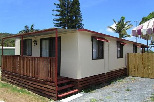 BIG4 Capricorn Palms Holiday Village - Accommodation Airlie Beach