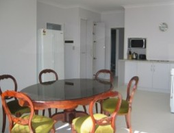 Olas Holiday House - Accommodation Airlie Beach