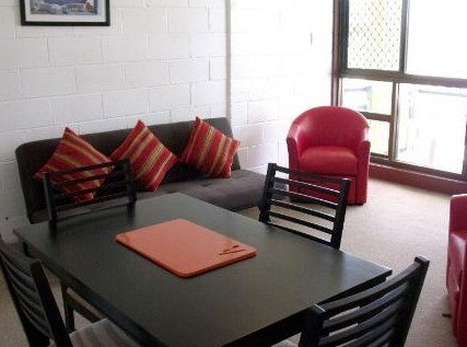 Como Holiday Apartments and Tropical Nites Motel - Accommodation Airlie Beach